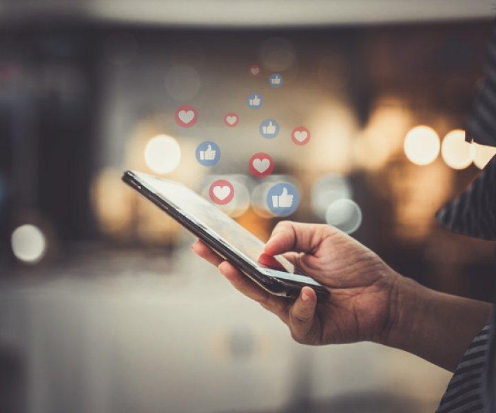 Für viele Shop-Betreiber ist die richtige Social-Media-Strategie essentiell. Bild: abode.com/escapejaja